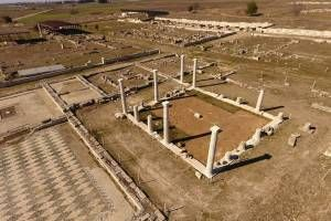 Taxi transfer from Thessaloniki airport to Pella Archaeological Site